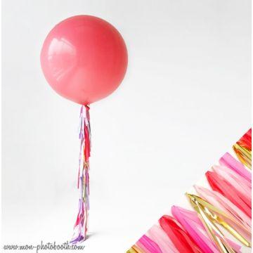 Maxi Ballon Bulle Scluptural et sa guirlande à franges 3