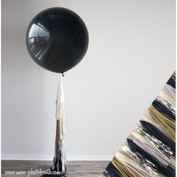 Maxi Ballon Bulle Scluptural et sa guirlande à franges 1