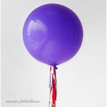 Maxi Ballon Bulle Scluptural et sa guirlande à franges 2