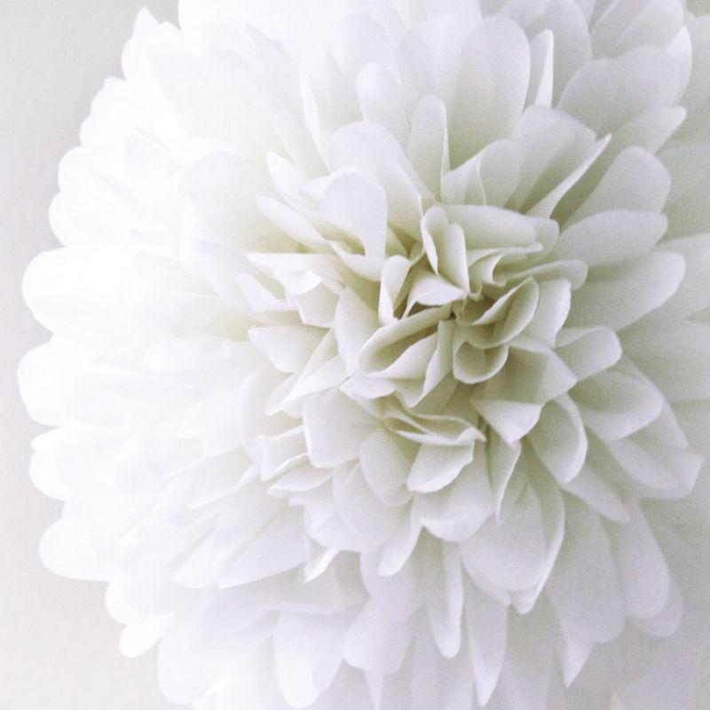 Rosace pompon fleur papier de soie blanc - Fleur en papier de soie ...
