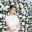 Mur de roses blanches - Le Romy Schneider