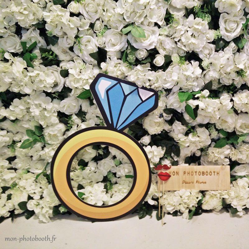 mur de fleurs blanches pour mariage et grandes occasions. Black Bedroom Furniture Sets. Home Design Ideas